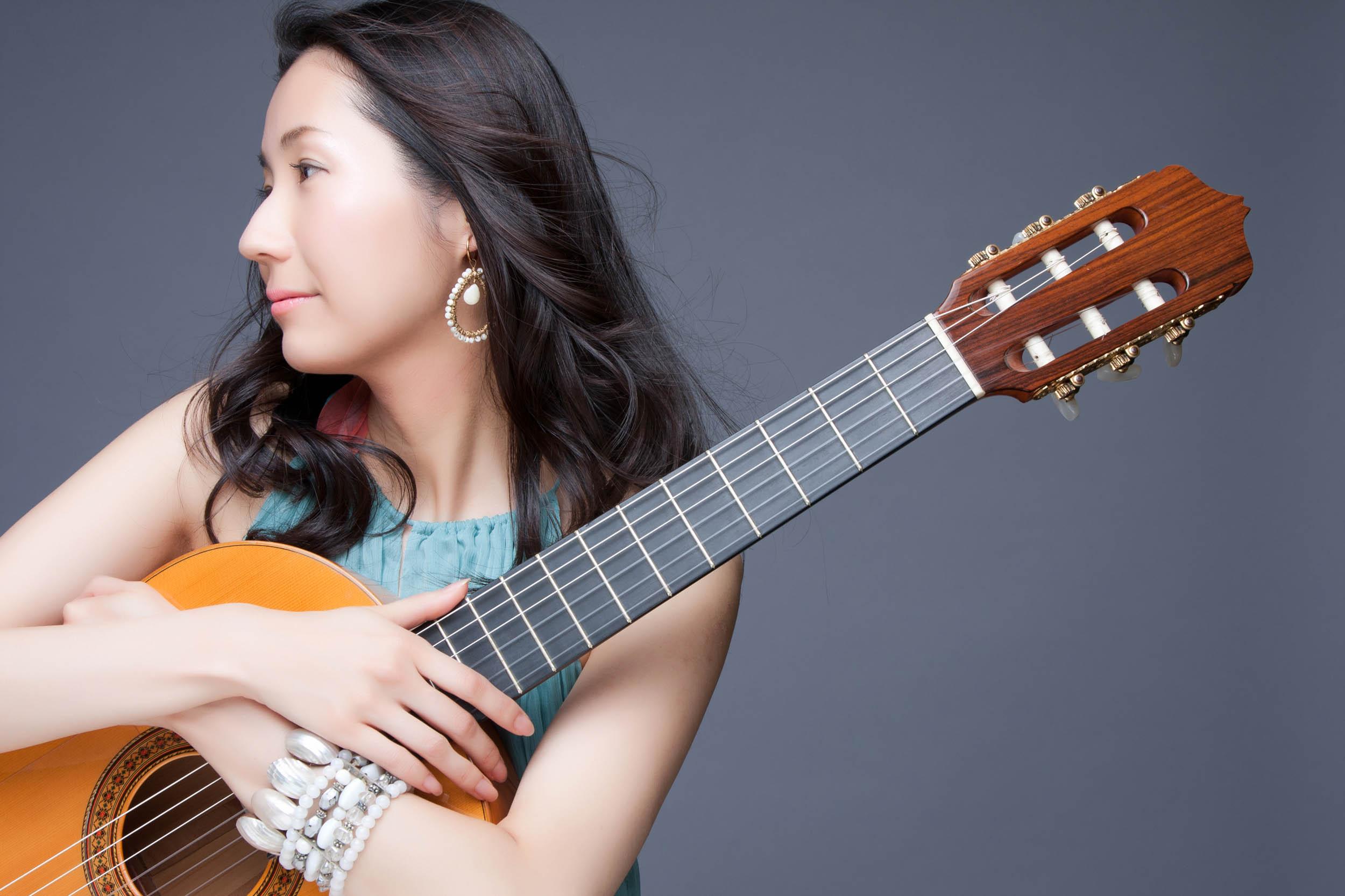 Karen(カレン)ボサノバシンガー&ギター