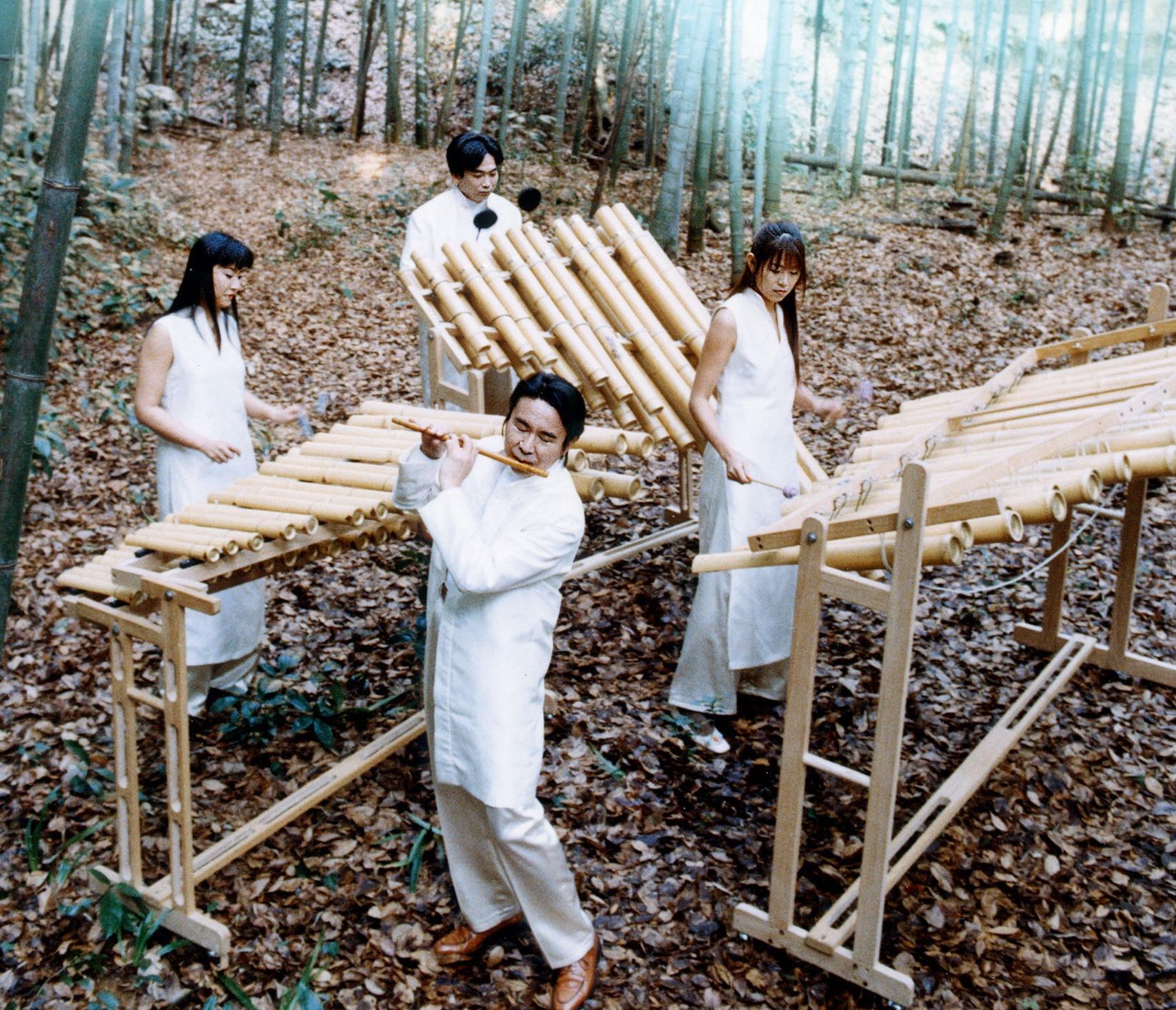竹の楽器のオーケストラ OZAN&バンブーシンフォニア