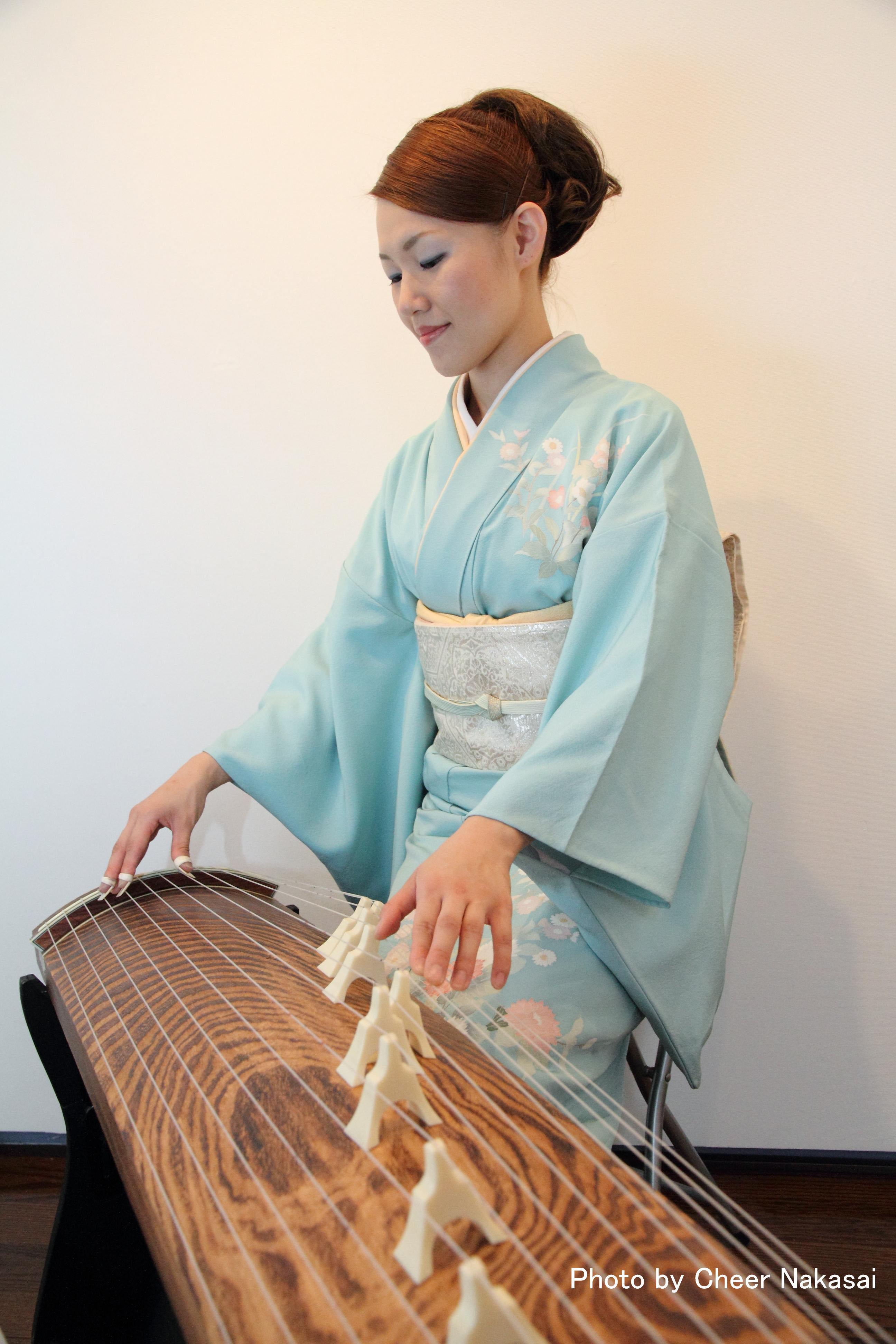 伊藤麻衣子 箏・十七絃・二十五絃・三弦