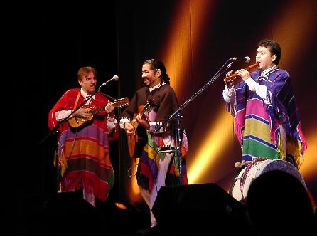 Los Tres Amigos(ロス・トレス・アミーゴス)フォルクローレ