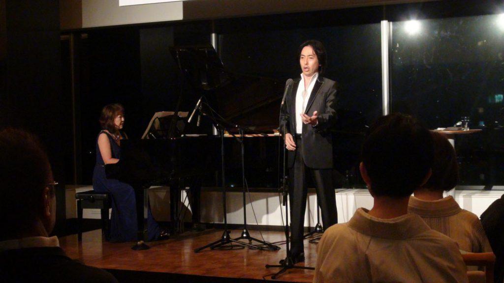 神戸のホテルでテノール歌手・秋川雅史さんのディナーショーを実施させ ...